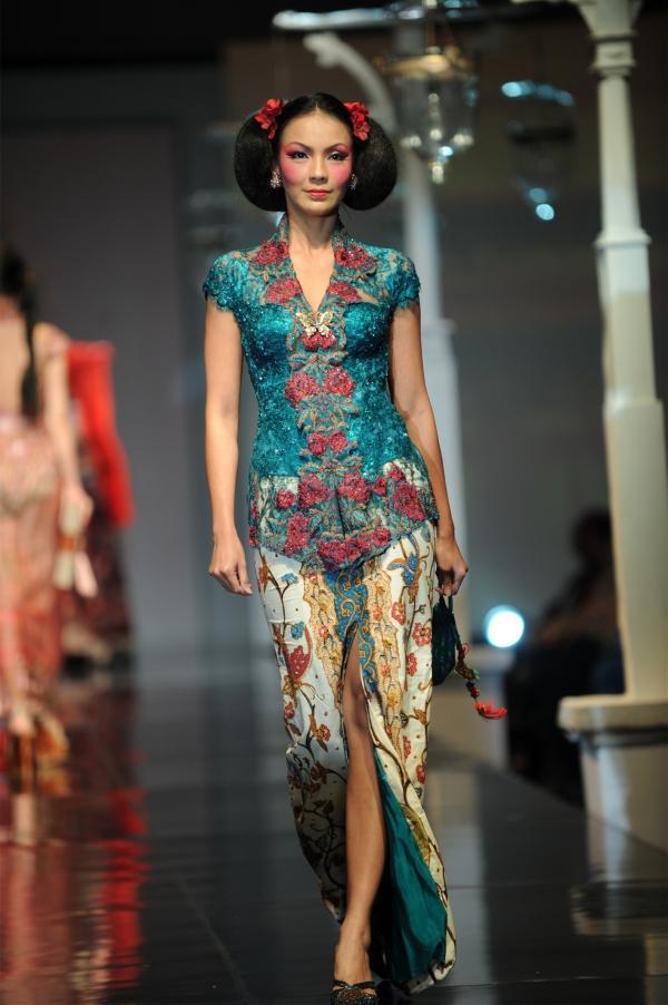 Inspirasi Kebaya Gaun yang Paling Banyak di Cari